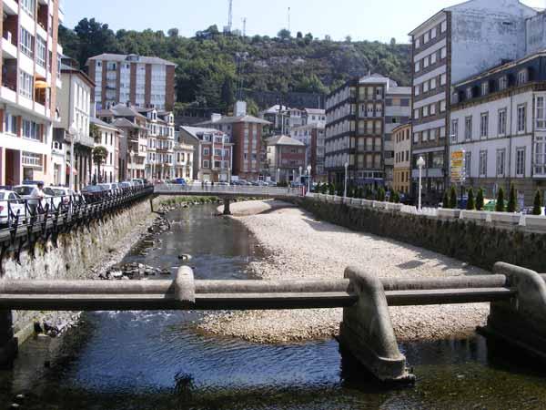 Río en Luarca - Se abre en una nueva ventana